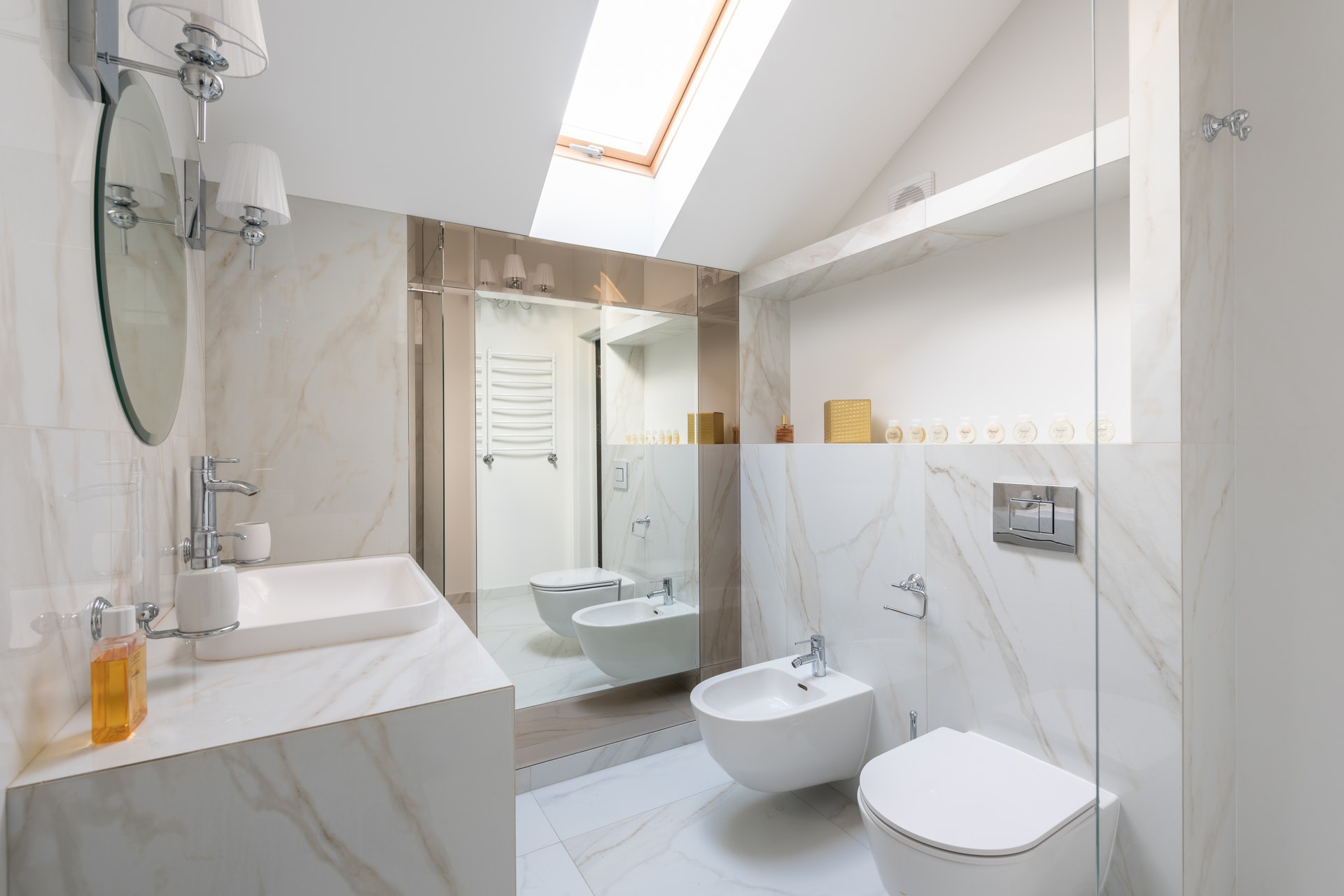 Top Tips For Creating a Modern Bathroom